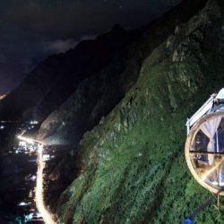 Un hotel colgante a 400 metros sobre el Valle Sagrado de los Incas